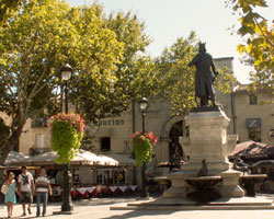 Place Saint-Louis - Aigues Mortes