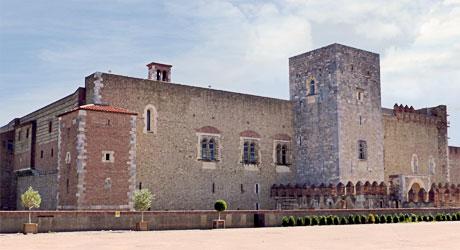 Sites touristiques remarquables visite et tourisme du languedoc roussillon occitanie escapadeslr - Palais des rois de majorque perpignan ...